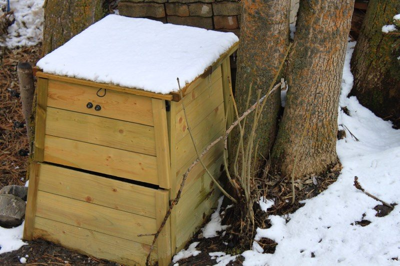 composting-in-snow